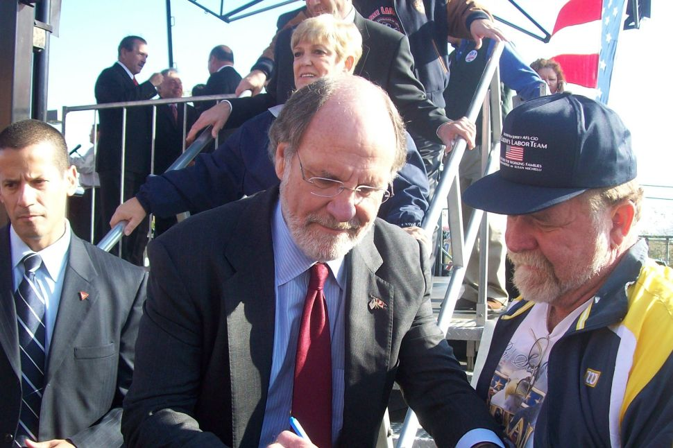 Corzine rallies South Jersey workers