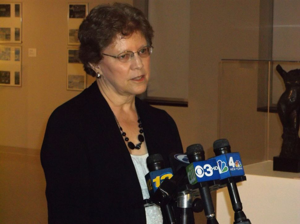 Eck withstands Lonegan's challenge to her petition signatures