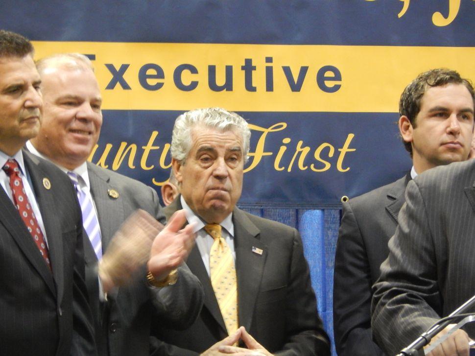 "Fulop: GWB lane closure emails ""shed unfortunate light on Trenton"""