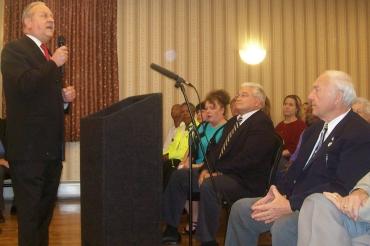 Gerbounka formally backs Christie for governor