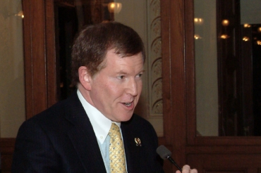 Gordon supports gun magazine restriction from 15 to 5, but will still back Sweeney package