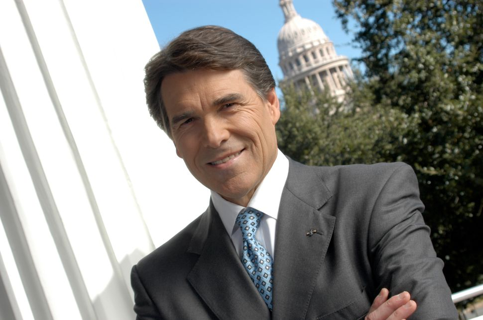 Perry settles for Philly and D.C. fundraisers