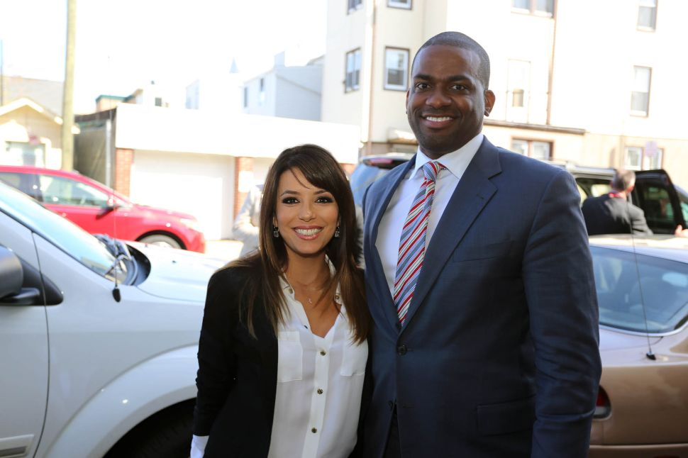 Newark mayor's race: With political spotlight focused on Newark, Hollywood star Eva Longoria endorses Jeffries