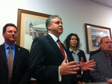 Bayonne mayor's race: Davis claims Smith behind Internet attacks