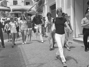 Born in Southampton, Jackie Kennedy loved the resort town of Capri, where she hit the streets in sandals hand-embellished by local artisans. (Canfora)