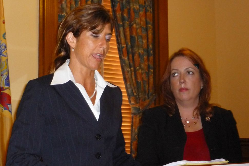 GOP women stand up for Palin