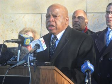 Lewis, others, urge Christie to sign early voting legislation