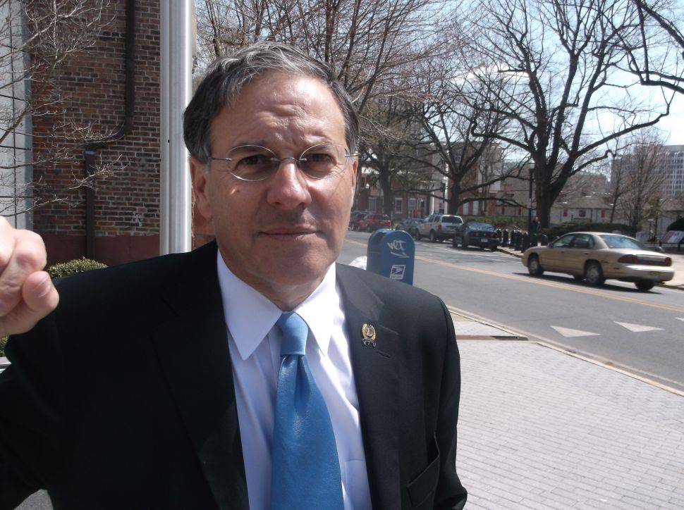 Hearing harping about Christie's LD pinpointing, Bramnick says GOP just 'lucky to have Christie'