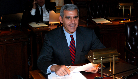 Kyrillos presents jobs plan, receives independent business endorsement