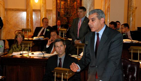 Kyrillos introduces Christie's teacher tenure reform legislation