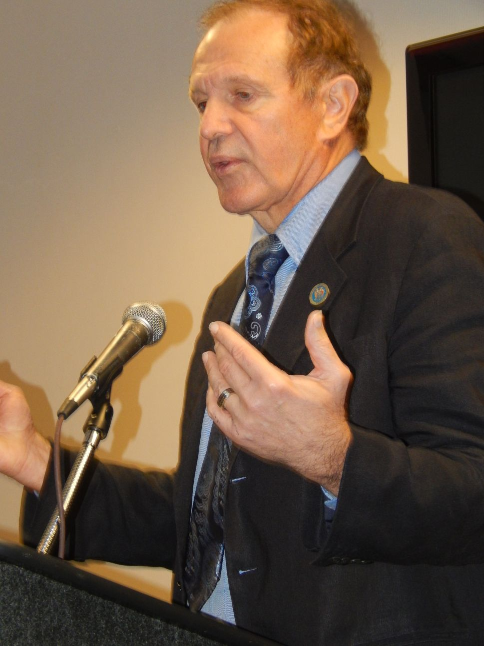 Lesniak proposes dumping political appointees to the Port Authority of NY and NJ