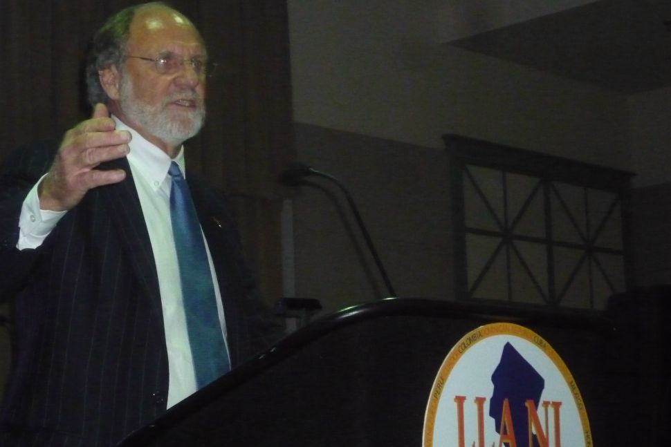 Christie tries to compete with Corzine for the affections of the Latino Leadership Alliance of N.J.