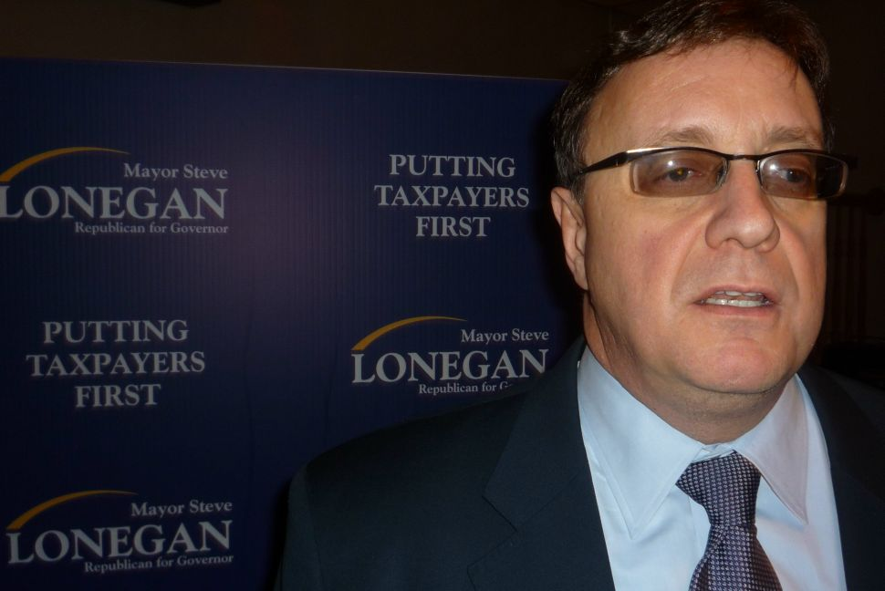 Lonegan charges up his base in Bridgewater