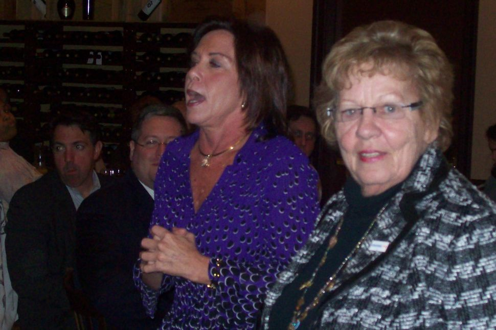 Blasting LG debate format, Weinberg stays on the attack against Christie