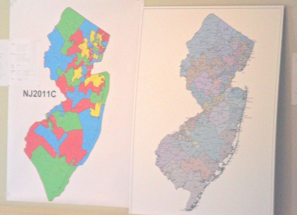 The man between the maps: Rosenthal still stuck with submissions that don't match up
