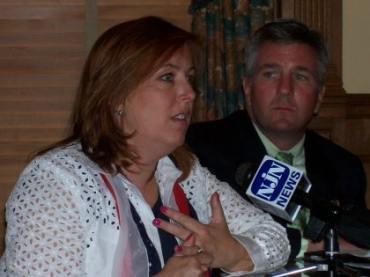 Gun bill triggers statehouse showdown between Jimenez and McHose