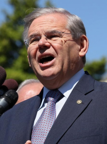 Early handicapping favors Menendez