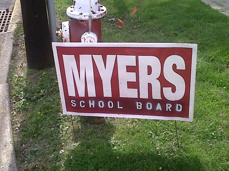 ELEC: school board member must report value of recycled or stolen campaign signs