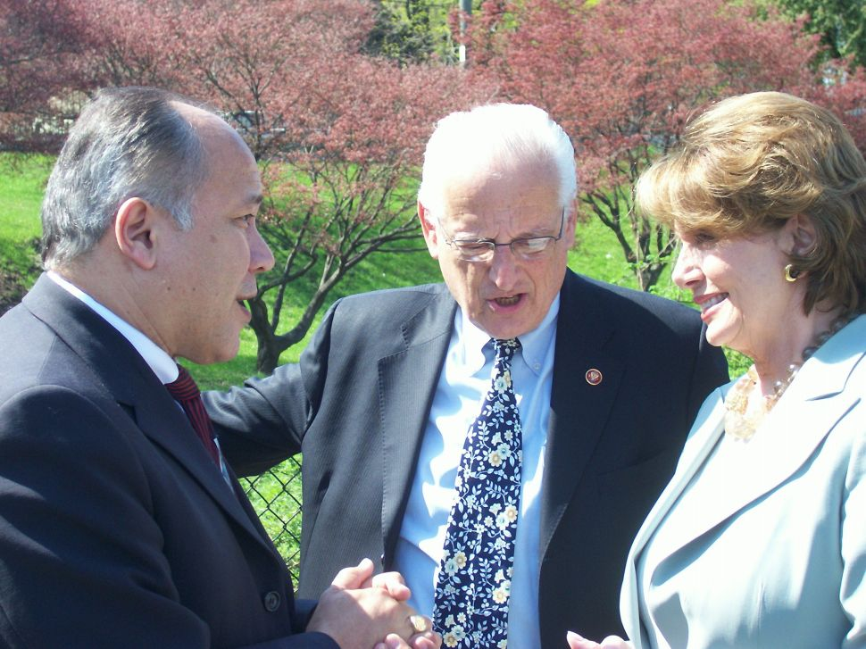 Pascrell welcomes Pelosi to Great Falls, criticizes Andrews