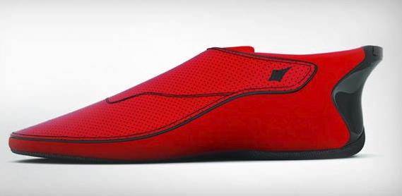 New Bluetooth-Enabled Smart Shoes Vibrate to Give You Directions