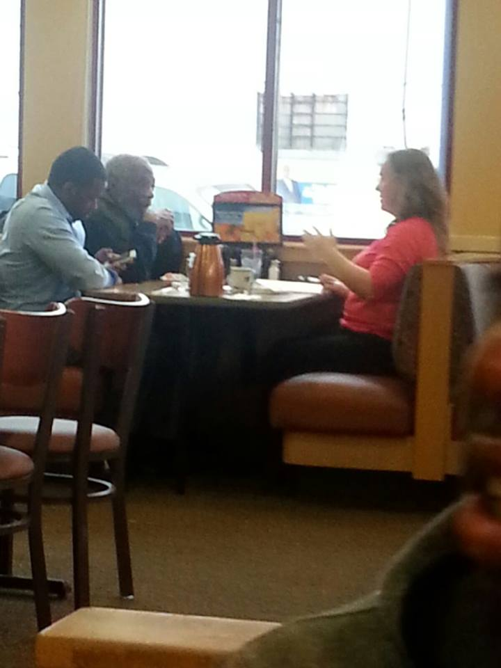 Diner confab photo of Jeffries and Anderson circulates on Facebook