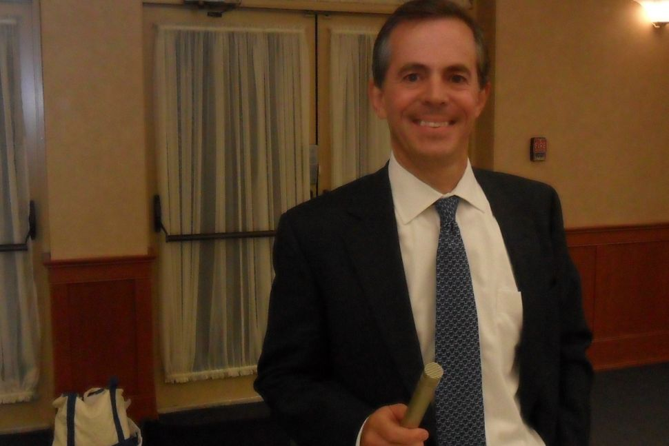 Sipprelle assails Holt on Wall Street reform