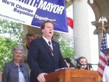 Smith ad stirs 17-year old incident in bitter mayoral contest with Conaghan