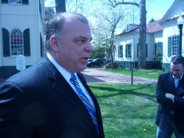 Christie talks ethics as Sweeney pushes economy