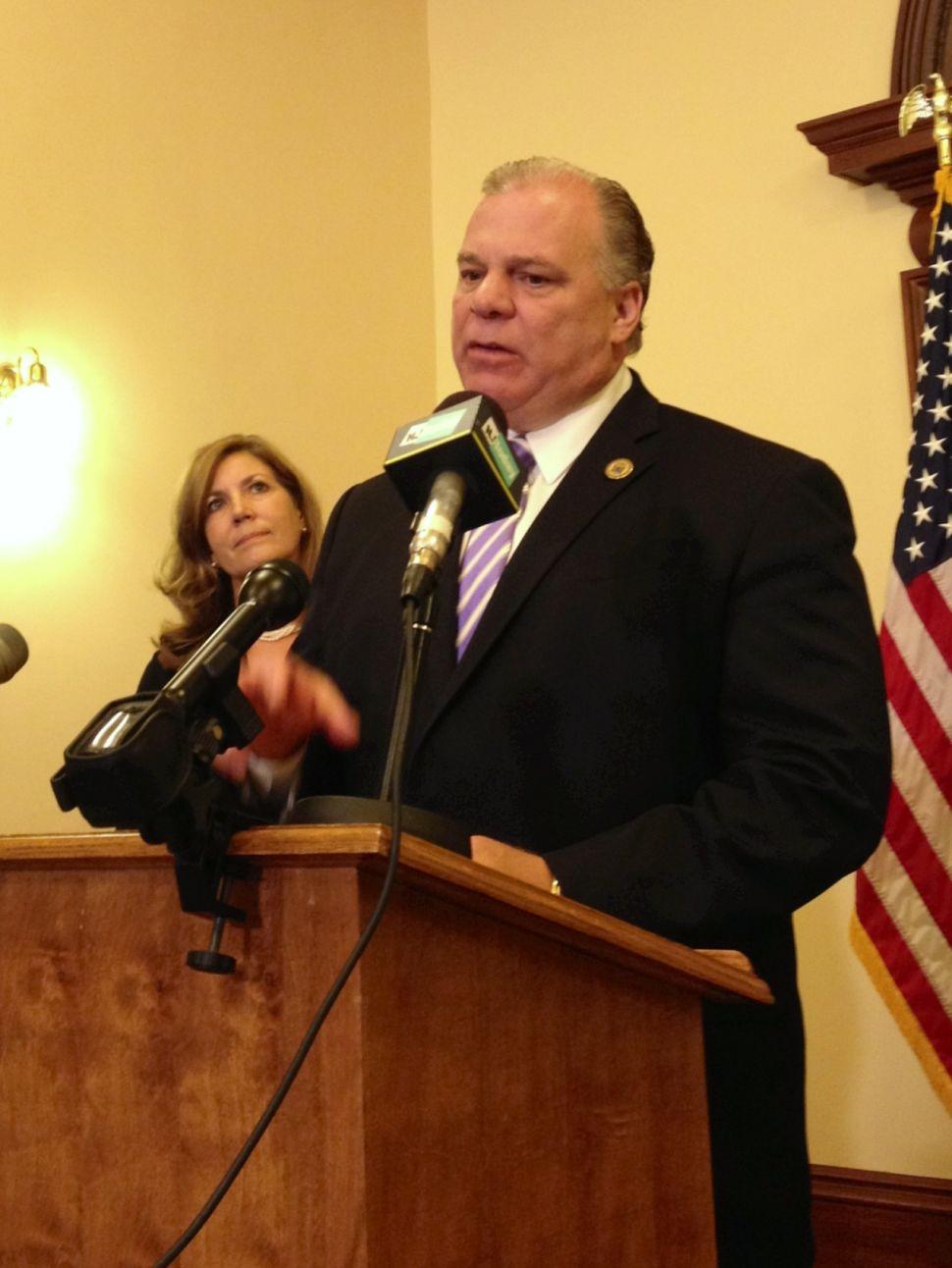Sweeney looks 'to salvage' centerpiece gun bill