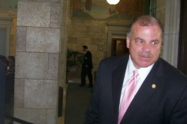 Sweeney to introduce 2.9% property tax cap option on Monday