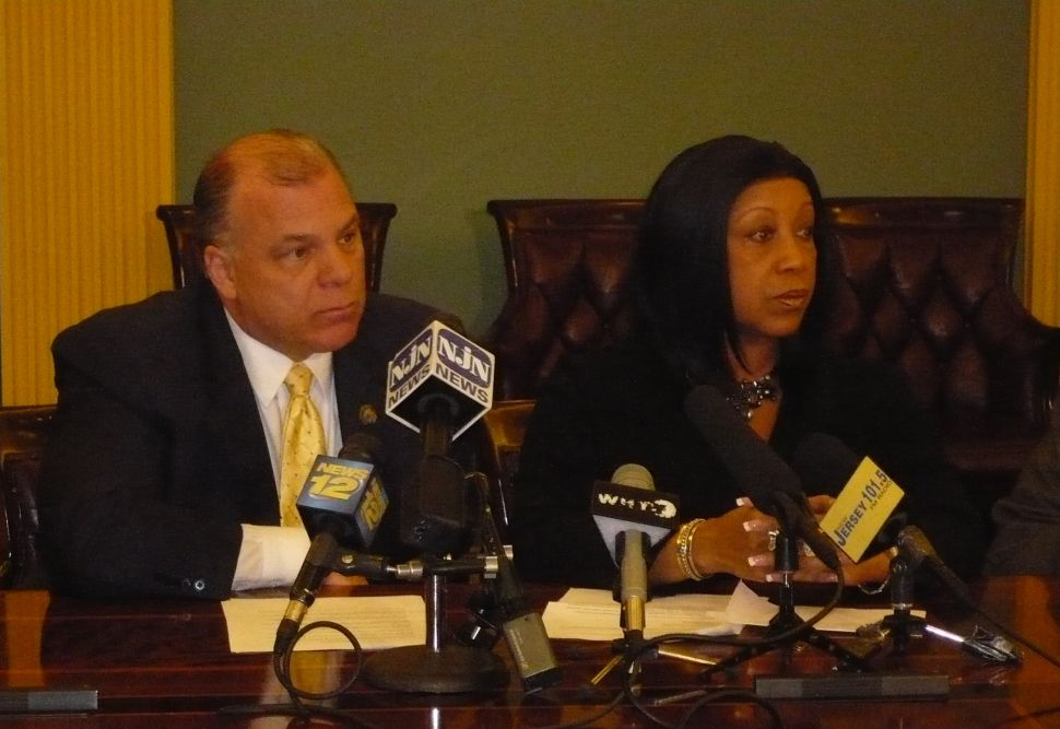 Dems preempt Guv, announce compromise on arbitration