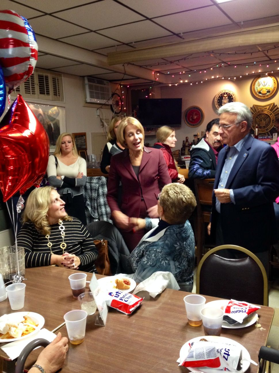 Buono rallies with Union Democrats on eve of election