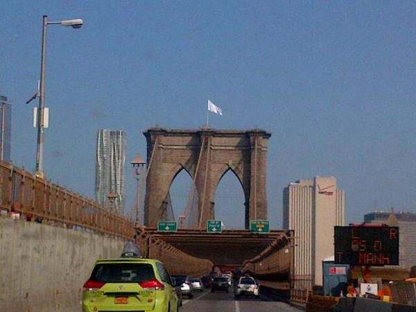 Brooklyn Bridge Stunt Perpetrators Wave the White Flag