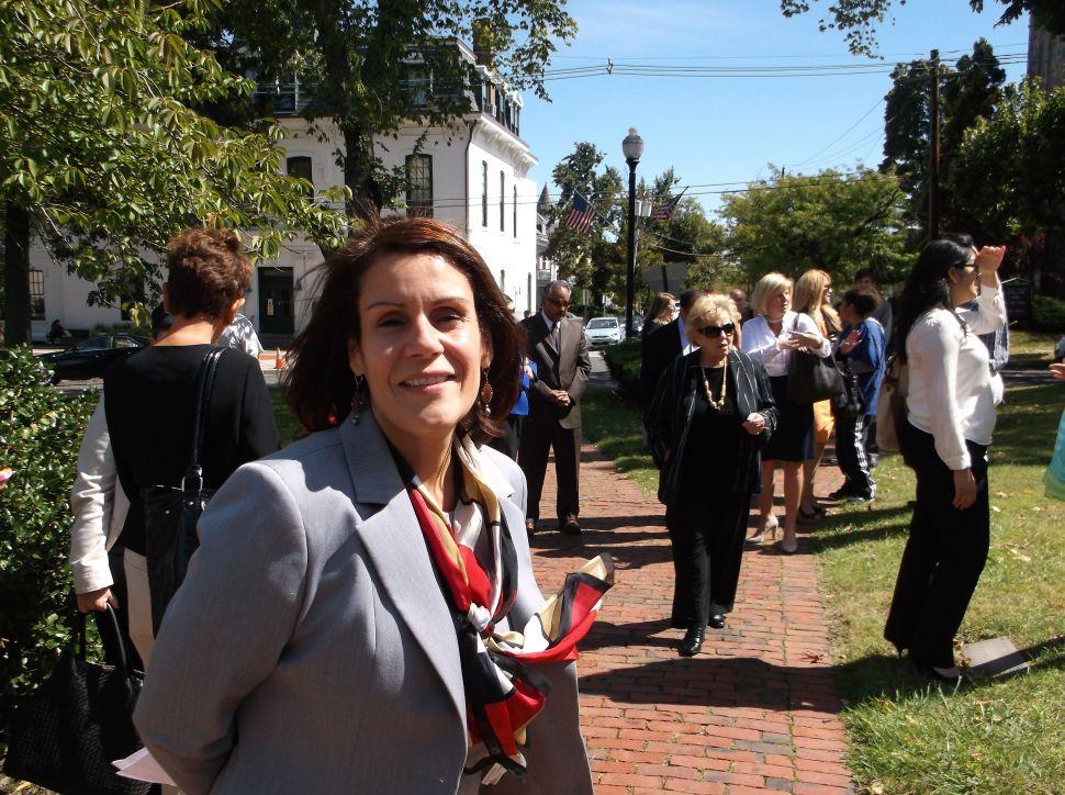 Diaz criticizes Delgado for standing by campaign consultant