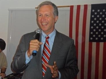 Wisniewski bashes Romney ahead of GOP prez candidate's visit