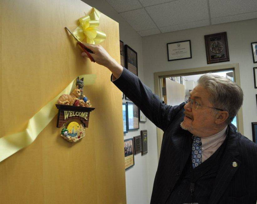 Yellow Ribbon comes down from freeholder office