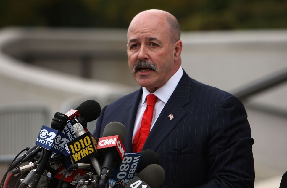 Ex-NYPD Commissioner Thinks Congress Should Immediately Impeach Hillary Clinton