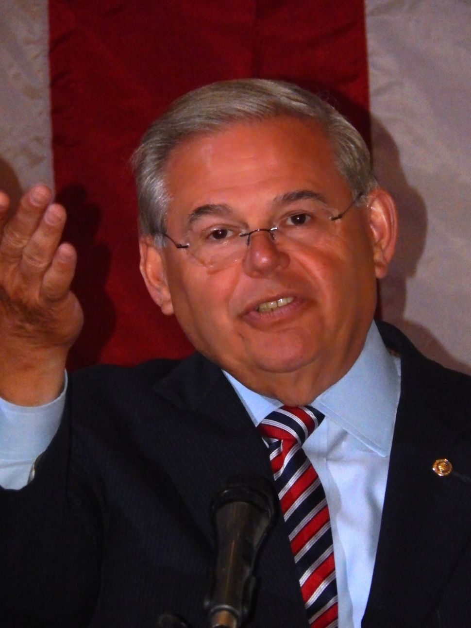 Menendez stuns Bergen crowd with declaration that he'll be voting for Tedesco