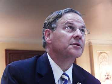 Bramnick calls on SCI to investigate alleged spending abuses by Newark school district