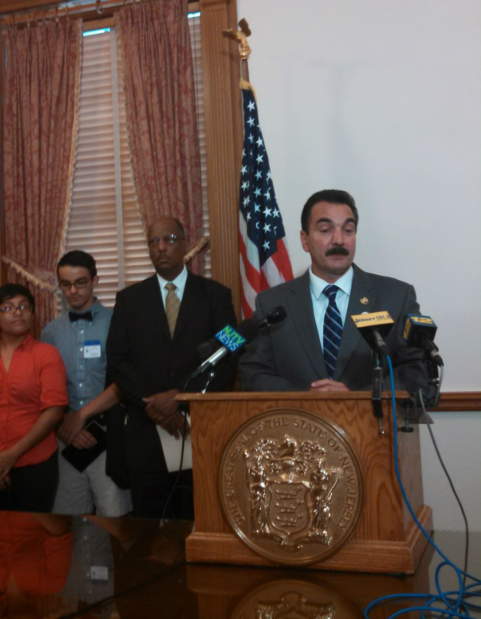 Prieto, Dems, seek to extend financial aid access to undocumented students