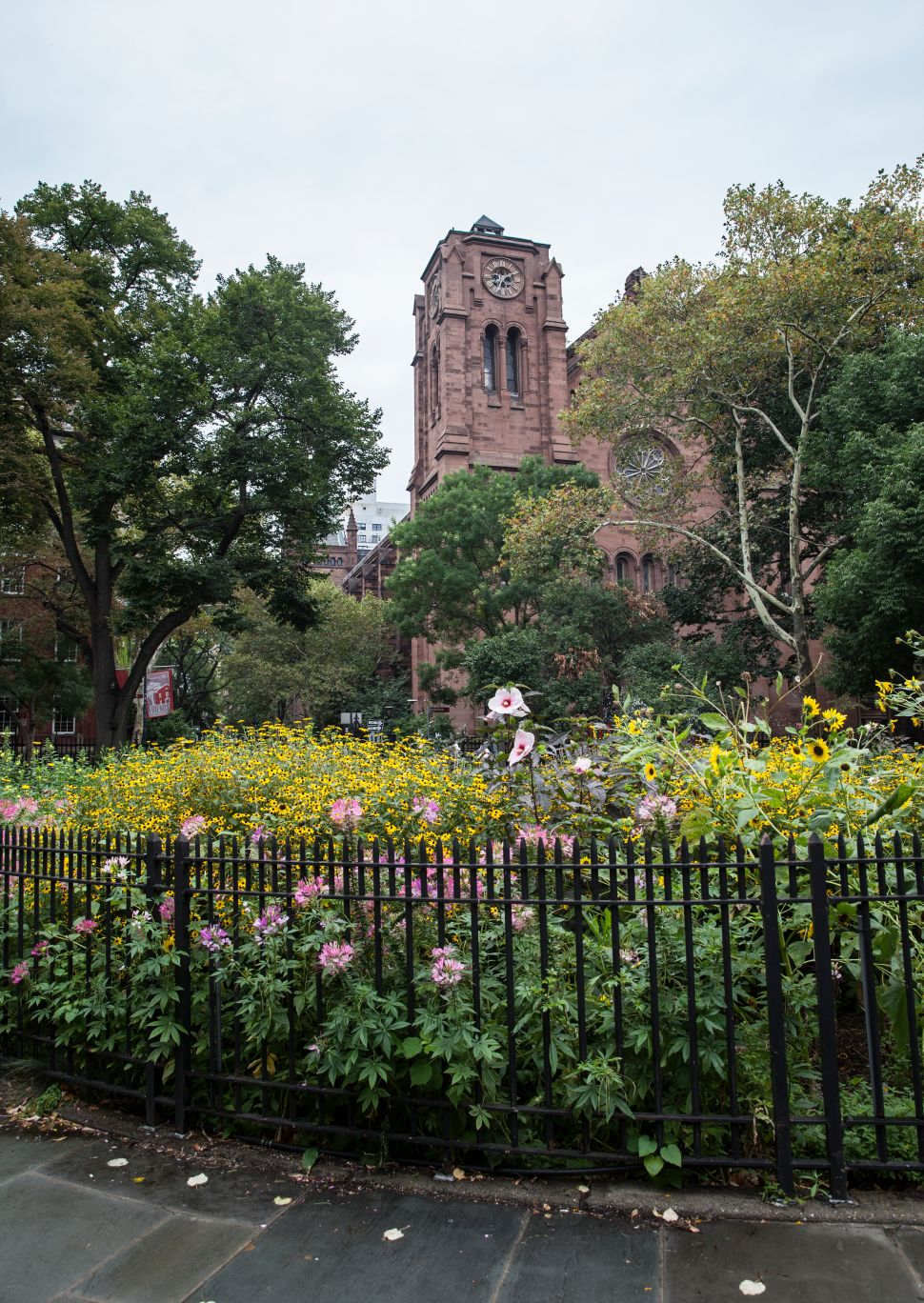 Almost Gramercy Park: Stuyvesant Square Declares Independence From a Famous Neighbor