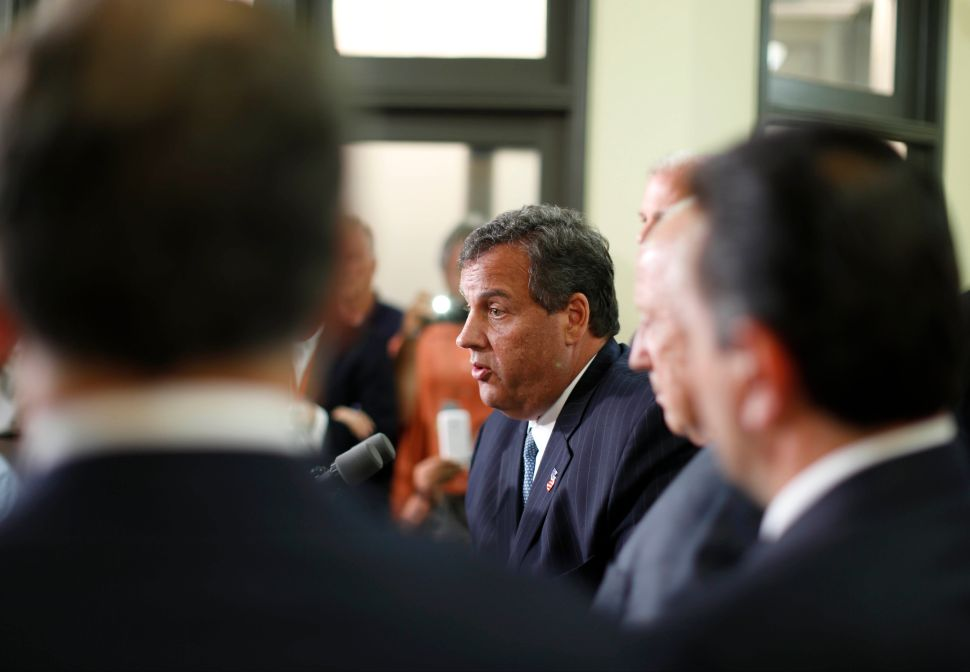 Christie adds Baltimore, Rauner in Illinois to 2015 victory lap