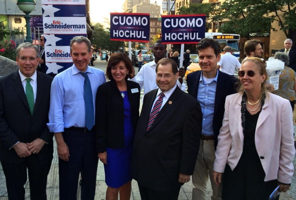 Hochul Rejects Wu Debate Challenge in Person at Manhattan Campaign Stop