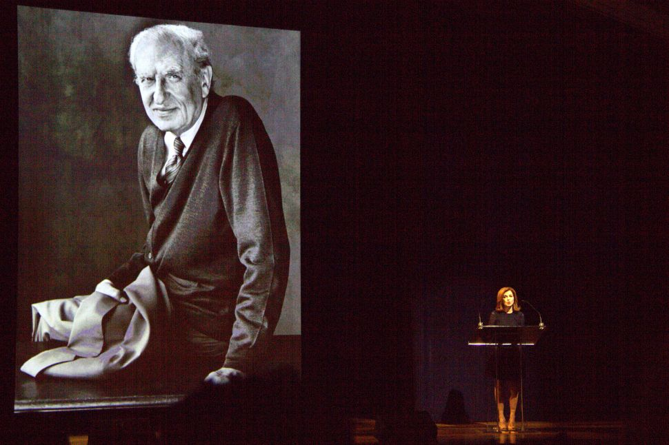 Hundreds Gather to Remember Arthur Gelb at Eugene O'Neill Theater
