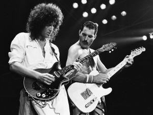 Brian May, Queen's guitar player, with Freddie Mercury (Courtesy Brianmay.com)