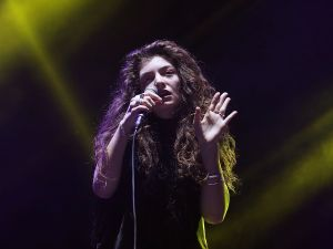 Mr. Flom plucked Lorde out of relative obscurity in New Zealand.