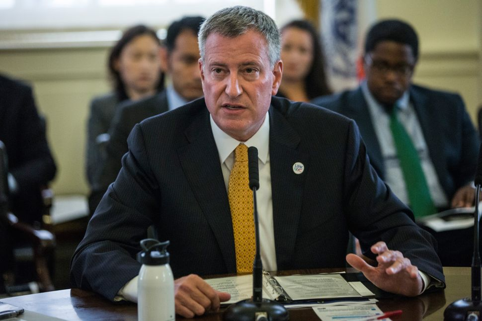 De Blasio Hails New 'Universe' of Legionnaires' Regulations