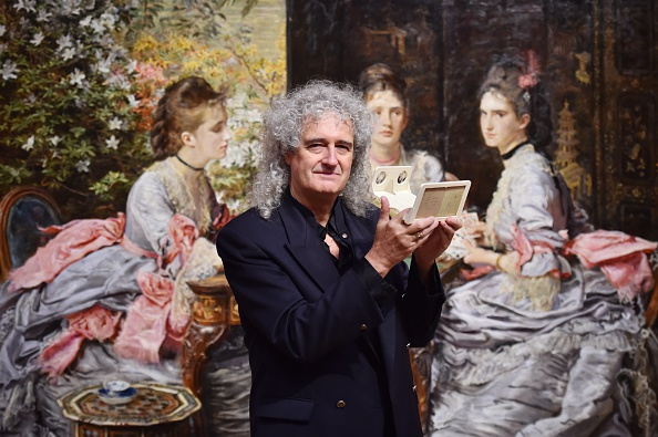 Art World Abstracts: Queen Guitarist Lends Rare Photos to the Tate, and More!