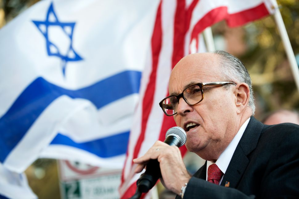 Rudolph Giuliani Says Bill de Blasio Is 'Never Going to Win the Police Back'