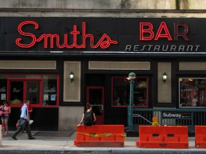 Smith's Bar will open for the last time this Thursday (Rob Nguyen/flickr).